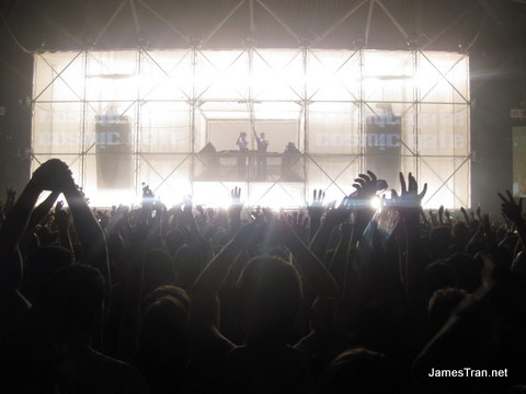 Godskitchen Sydney - During the Cosmic Gate set